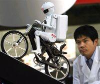Робот-велосипедист компании Murata