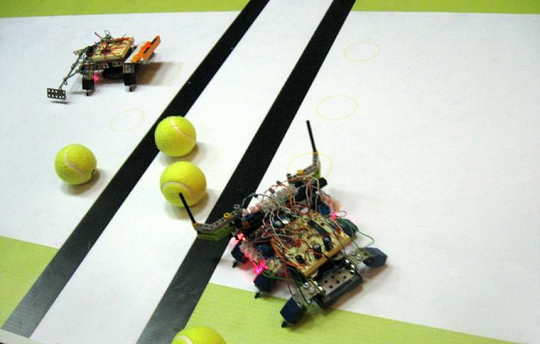 Теннис: Робот Screamo против