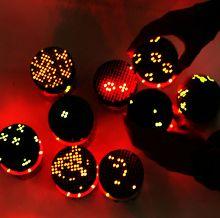 роботы GlowBots