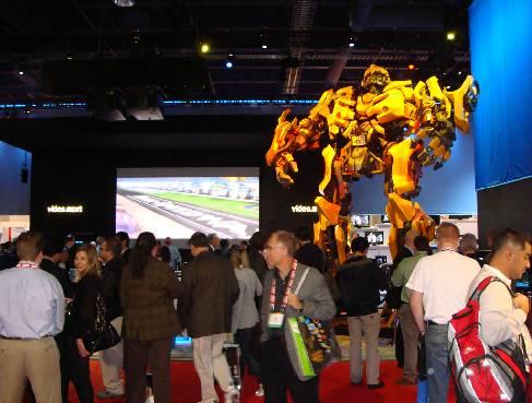 Гигантский трансформер на Consumer Electronics Show 2008