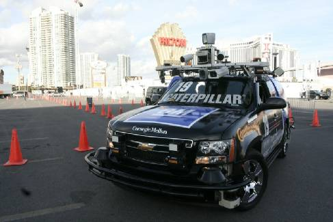 экспериментальный автомобиль-робот Chevrolet Tahoe Boss