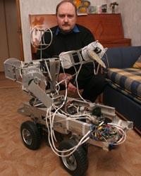 робот Олега Толстеля