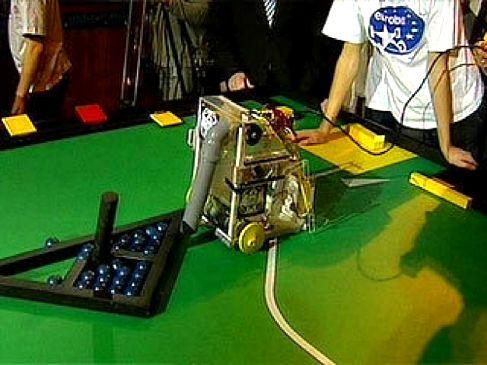 Соревнования роботов в МГТУ имени Баумана