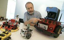 Тэнди Трауэр (Tandy Trower), генеральный директор Microsoft Robotics Group