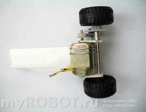 Простейший балансирующий робот с механическим датчиком