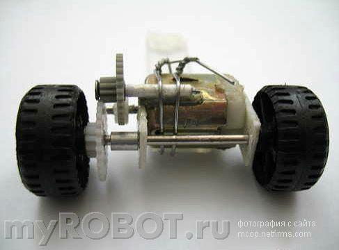 Простейший балансирующий робот с механическим датчиком.