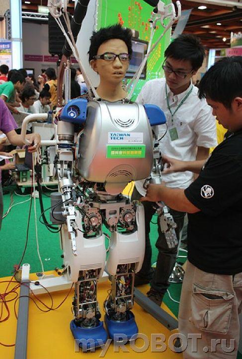 робот-гуманоид из NTUST