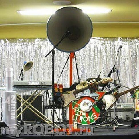 роботы-музыканты The Trons