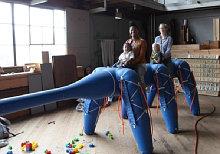 Надувной шагающий робот AntRoach